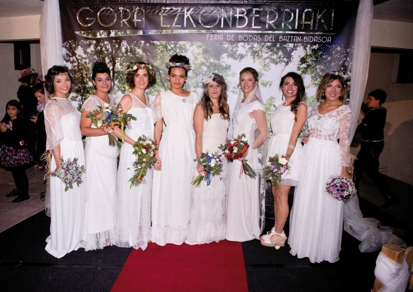defile-robes-de-mariees-groupe